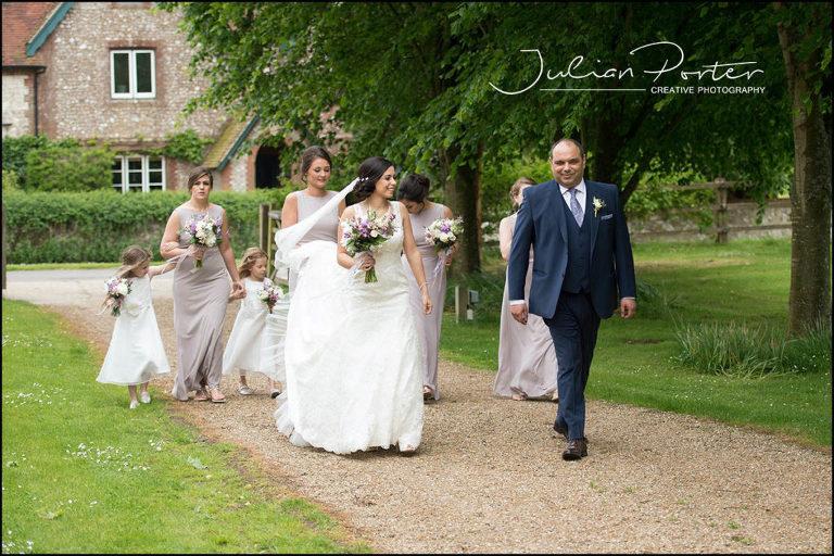wedding photos southampton, hampshire wedding photography, relaxed wedding photos, weddings by julian porter, beautiful wedding photos, destination wedding photos, tithe barn wedding photos